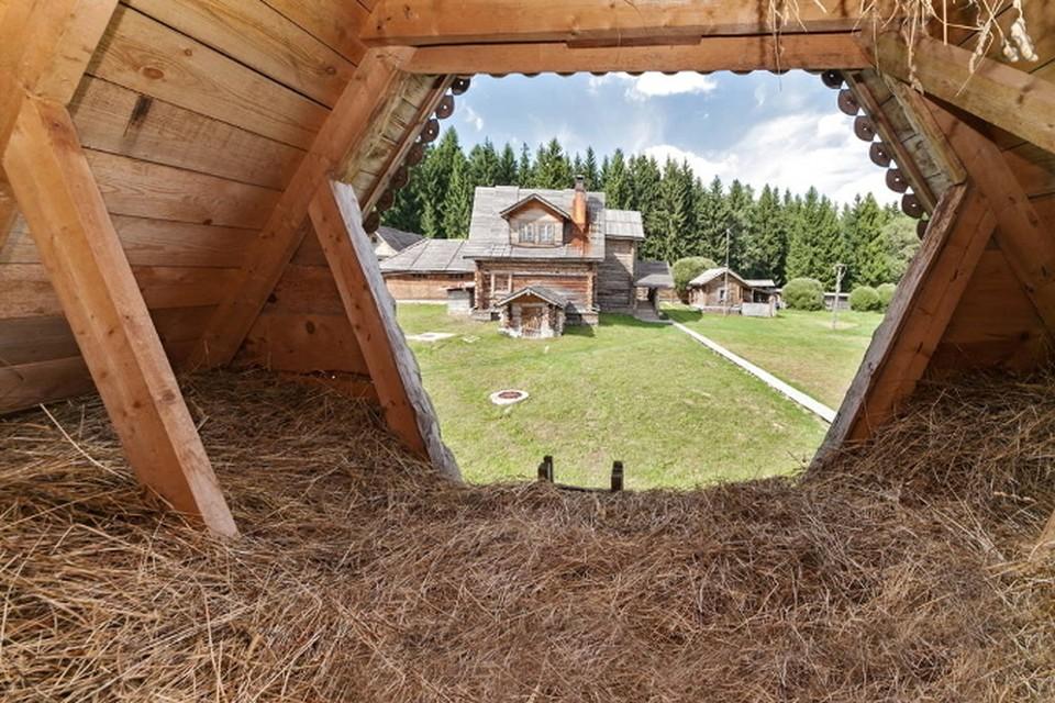 Изба, юрта, дворянская усадьбат - кроме гостиниц, у туристов есть масса вариантов!  Фото: Airbnb.
