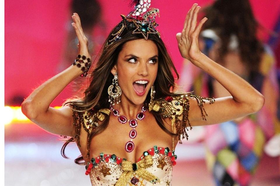 Алессандра Амбросио из года в год попадает в десятку самых высокооплачиваемых моделей планеты.