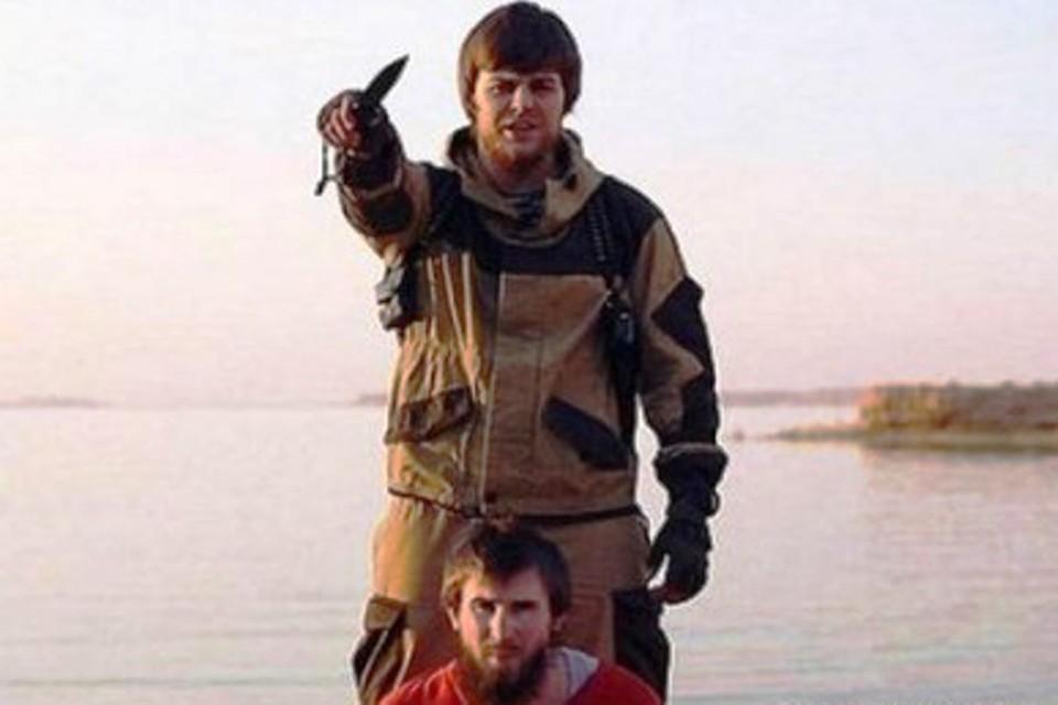 Казнивший чеченца игиловец Анатолий Землянка из Ноябрьска превратился из добряка в зверя незаметно для окружающих. Фото: кадр видеозаписи убийства