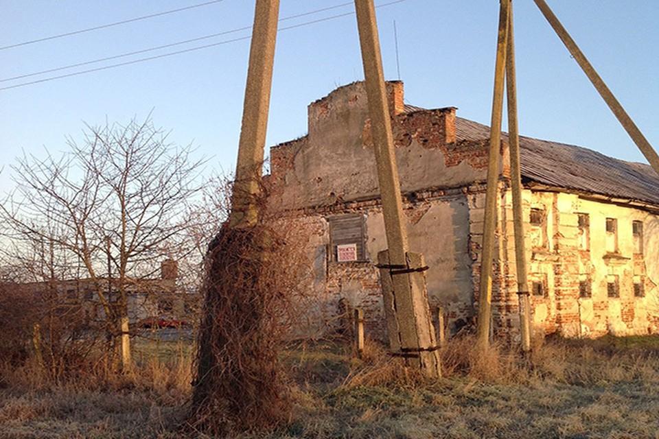 В Брестской области продают здание бывшего монастыря 18 века. Фото: Андрей БОРОДИЧ.