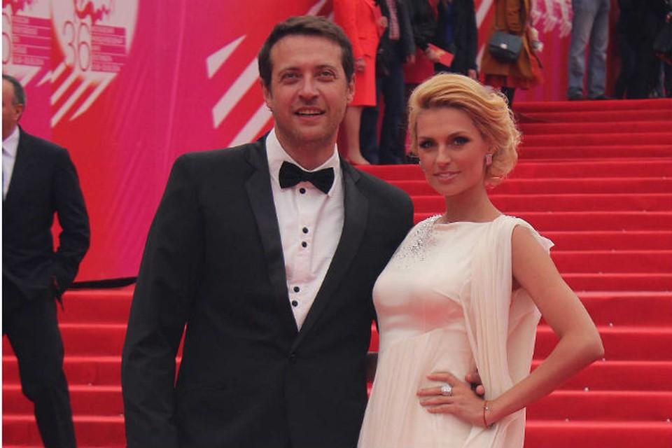 Певица Саша Савельева с супругом, актером Кириллом Сафоновым.