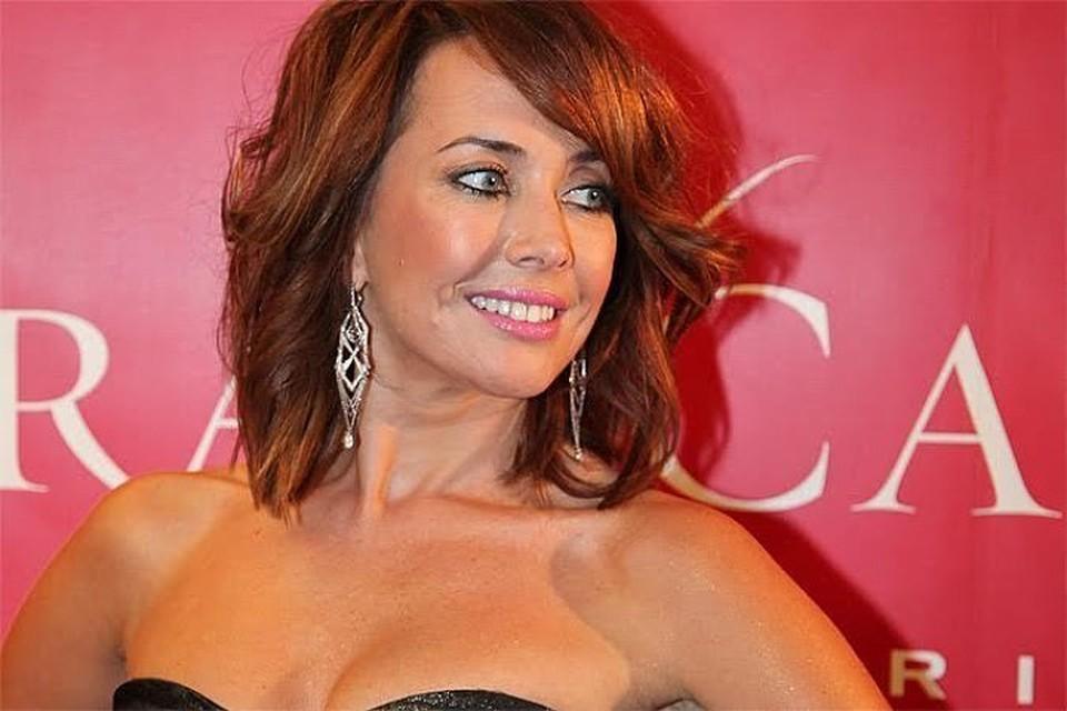Жана Фриске умерла 16 июня прошлого года от рака мозга. На ее лечение было собрано больше 25 миллионов рублей