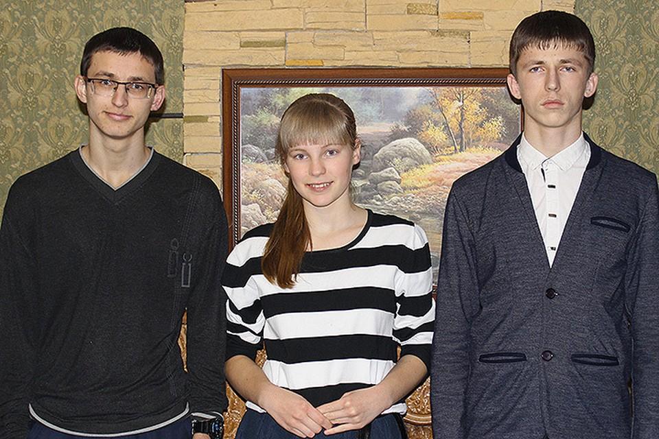 Ванины. Сегодня в семье  трое выпускников - отличников.