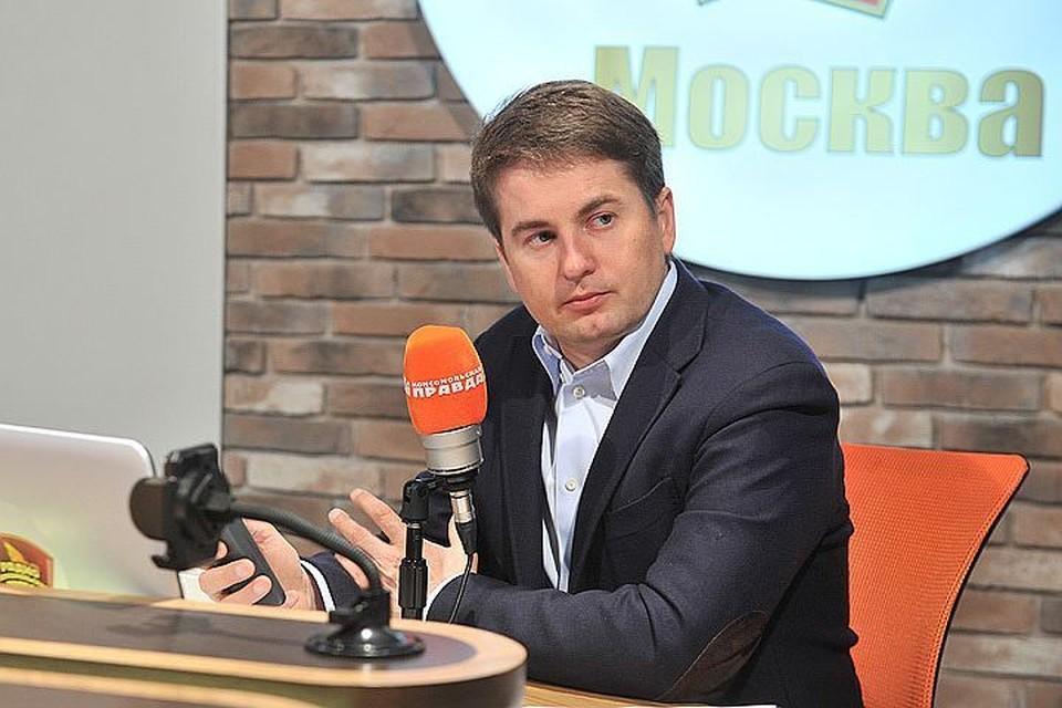 """Алексей Немерюк в студии радио """"Комсомольская правда"""""""