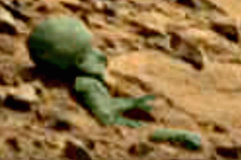 Марсиане давно окаменели.