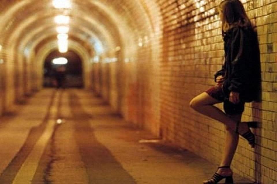 Сексуальная проститутка едет к клиенту фото 569-892