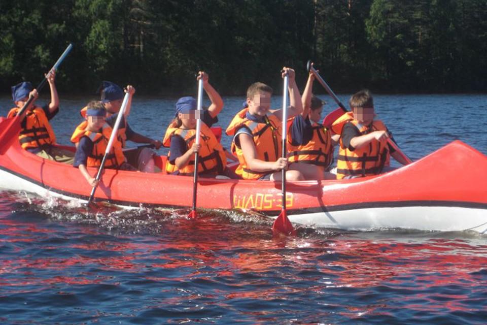 Сплав по озеру в шторм унес жизни 13 детей и их инструктора Фото: Официальный сайт лагеря.