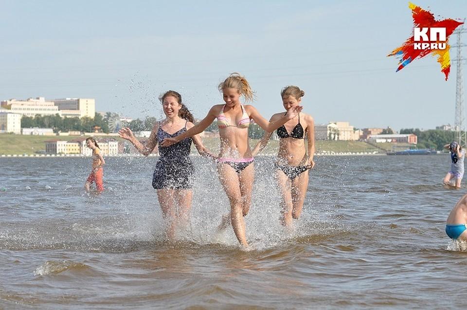 Супертелка на городском пляже
