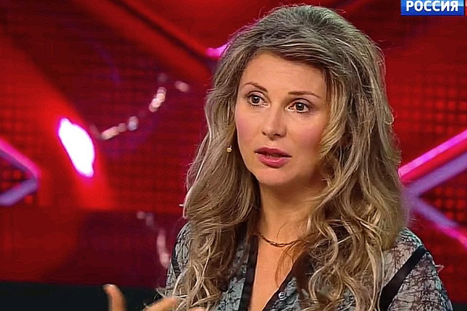"""Лариса Черникова в передаче """"Прямой эфир""""."""