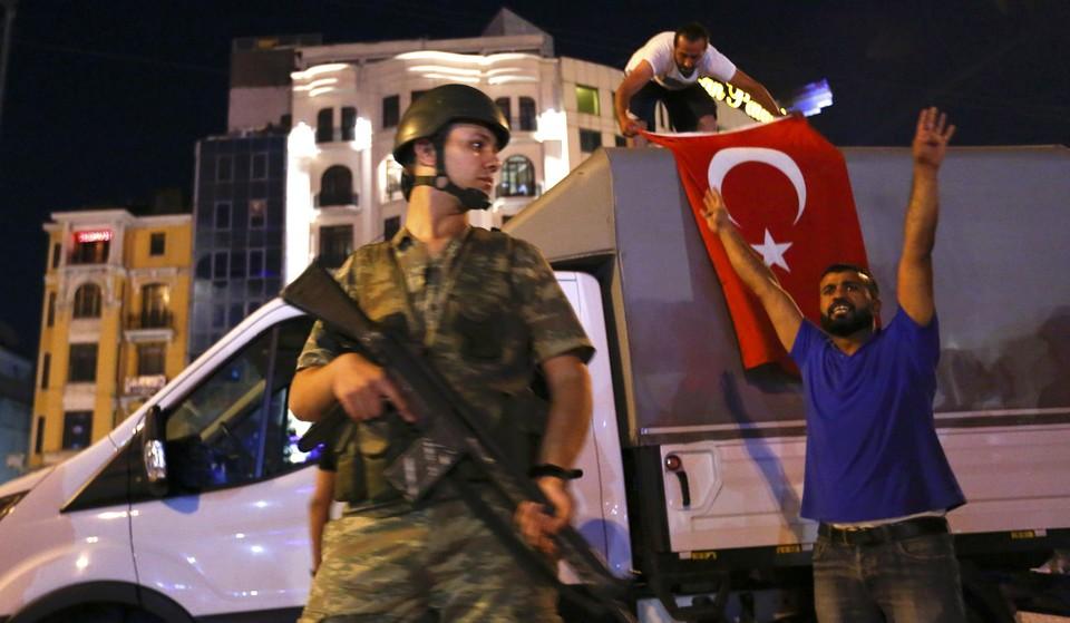 Эрдоган призвал граждан Турции выйти на улицы.