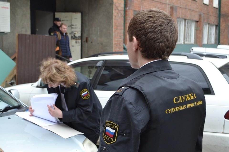 Судебные приставы представились покупателями, чтобы забрать Mercedes-Benz S 500 у должника в Иркутске. ФОТО: УФССП по Иркутской области