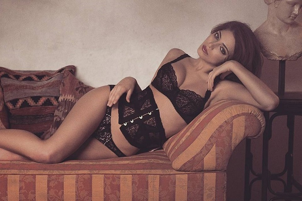 Домашняя порнушка латиноамериканские девушки фото в нижнем белье набрызгал рот
