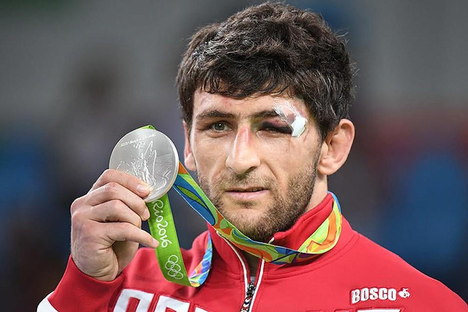 """Российский борец выиграл """"серебро"""" на Олимпиаде в Рио."""