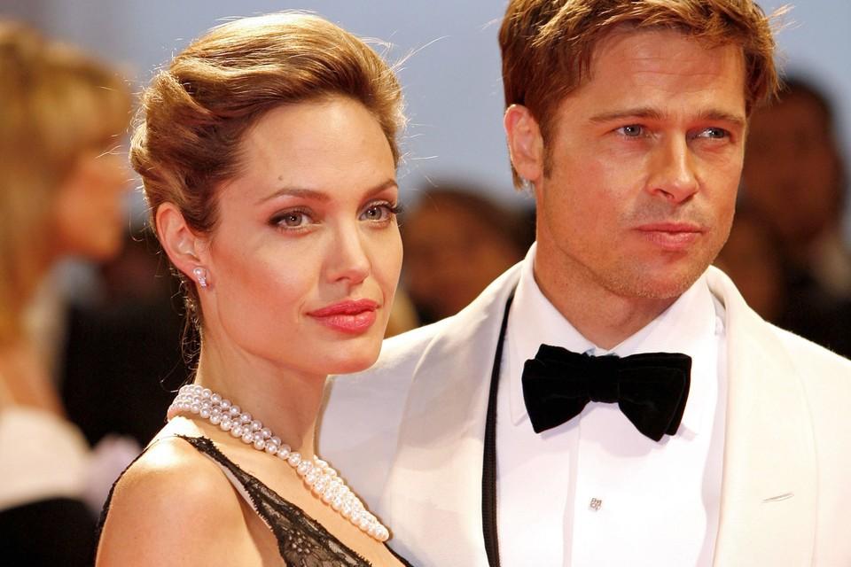 Анджелина и Брэд разводятся после 12 лет совместной жизни.