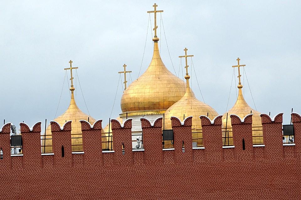 """"""" Третьяковка, Бородинка, Планетариум, Москвариум - достать групповые путевки в московские музеи это всегда нервотрепка, но все-таки умеренная. А вот Кремль нервотрепкой назвать уже нельзя. Кремль - это пытка."""""""