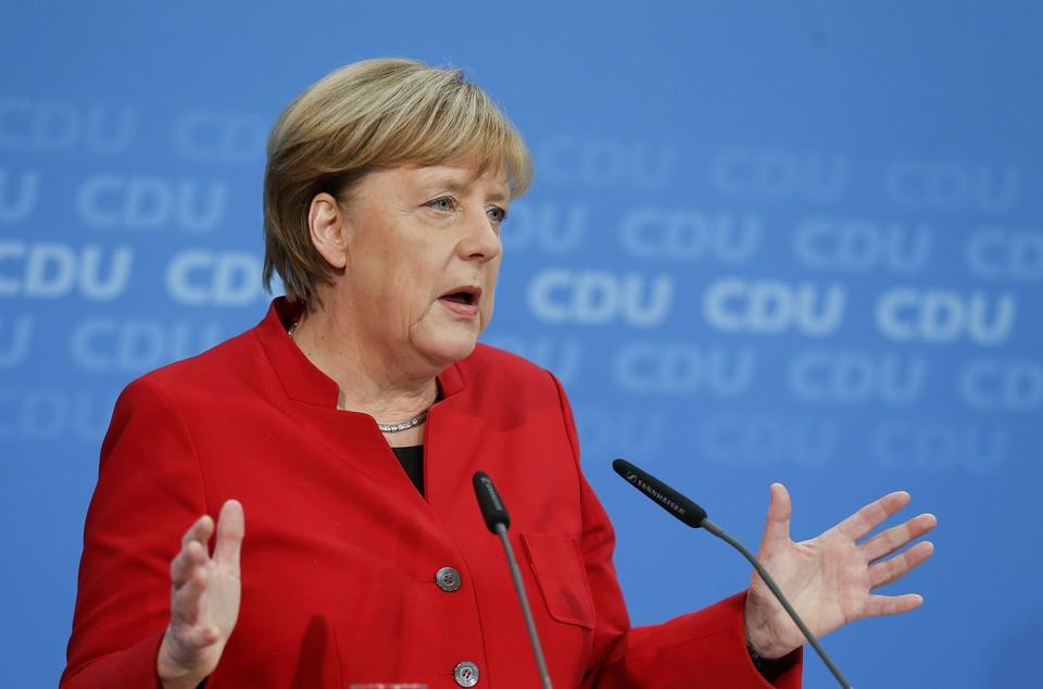 В Сети всплыли недавние высказывания канцлера ФРГ Ангелы Меркель, которые теперь на фоне трагедии выглядят в лучшем случае неудачной шуткой