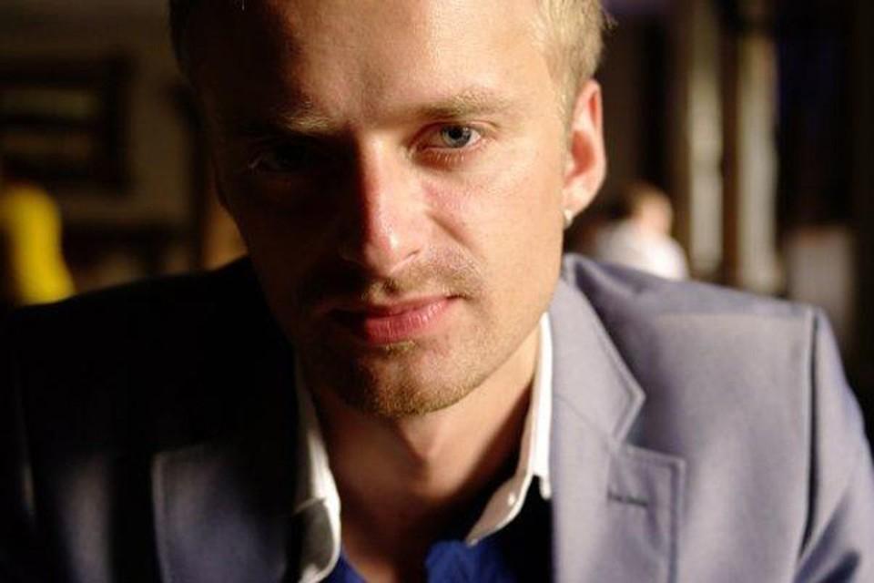 Дмитрий Рунков пришел на Первый канал около года назад. Но уже успел запомниться зрителям – своими неординарными репортажами