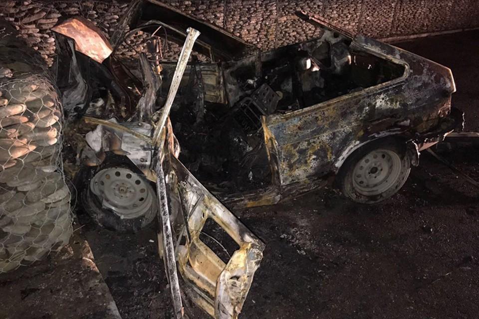 """Машина выгорела дотла. Фото: пресс-служба Упрдор """"Черноморье"""""""