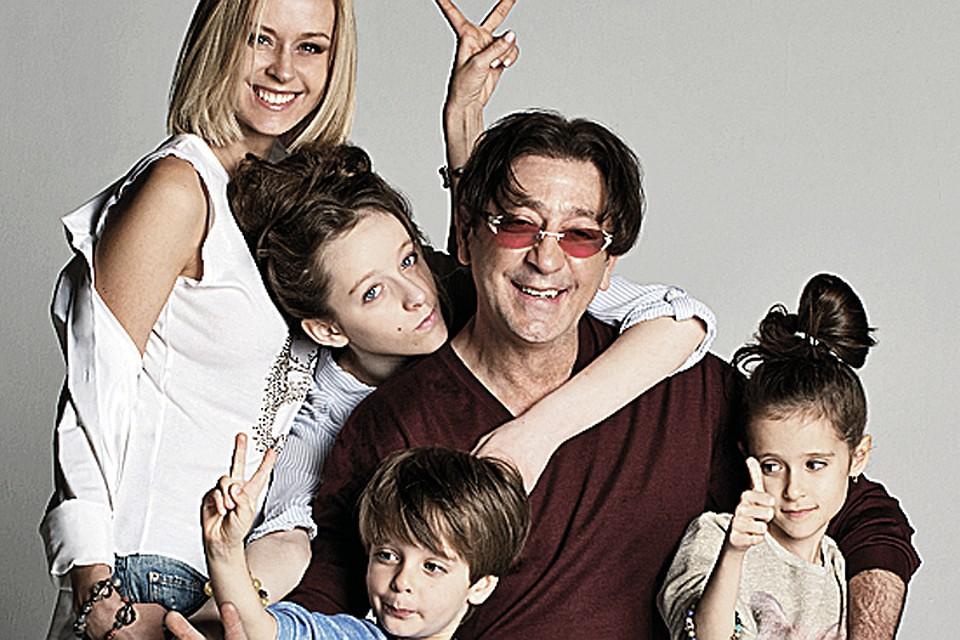 семья фото известных актеров образом, можно стало
