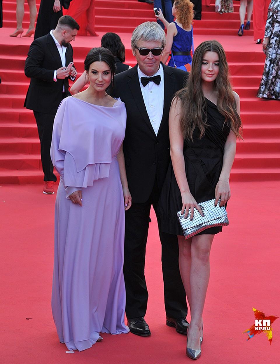 Александр Стриженов с супругой и дочерью