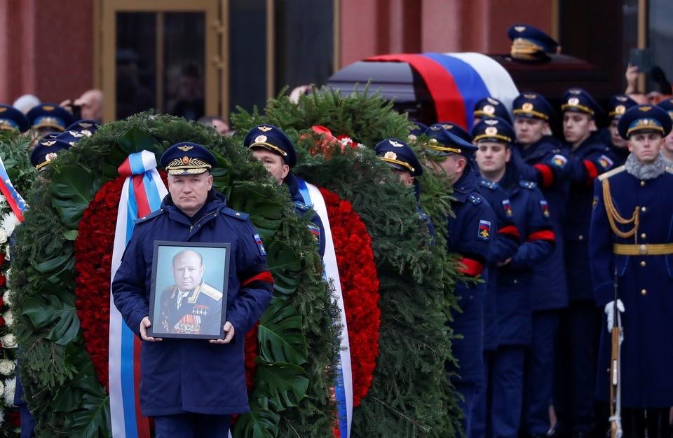 В Москве простились с дважды Героем СССР летчиком-космонавтом Алексеем Леоновым.