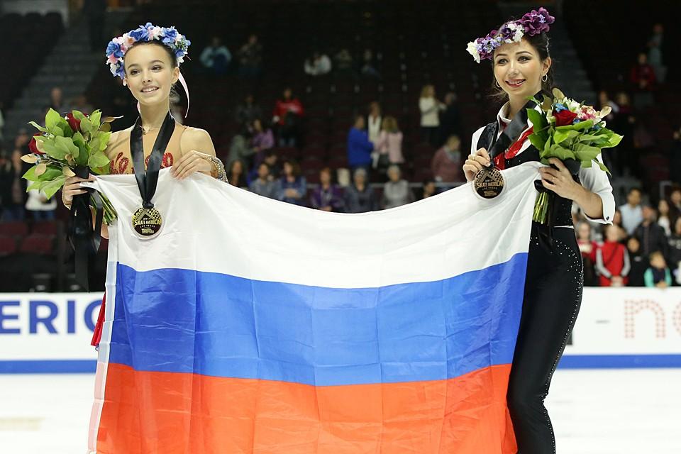 Анна Щербакова, проводящая дебютный сезон во взрослом фигурном катании, одержала победу на Skate America — первом этапе Гран-при в Лас-Вегасе. Еще одна россиянка Елизавета Туктамышева стала третьей