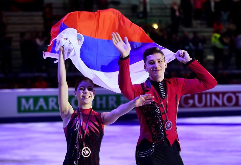 Российские фигуристы Анастасия Мишина и Александр Галлиамо заняли третье место в Финале Гран-при 2019 в Турине.