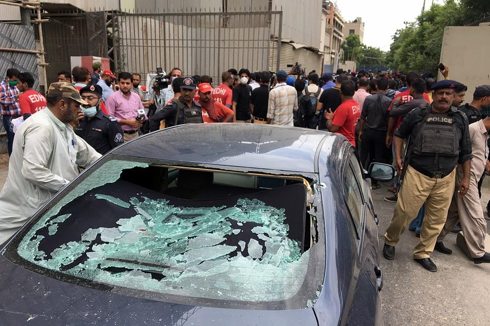 При нападении террористов на Пакистанскую фондовую биржу в Карачи погибли семь человек
