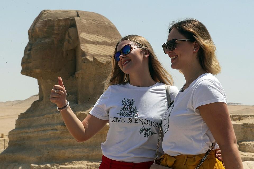 Пирамиды в Гизе вновь открылись для посетителей после ослабления карантина из-за пандемии коронавируса COVID-19