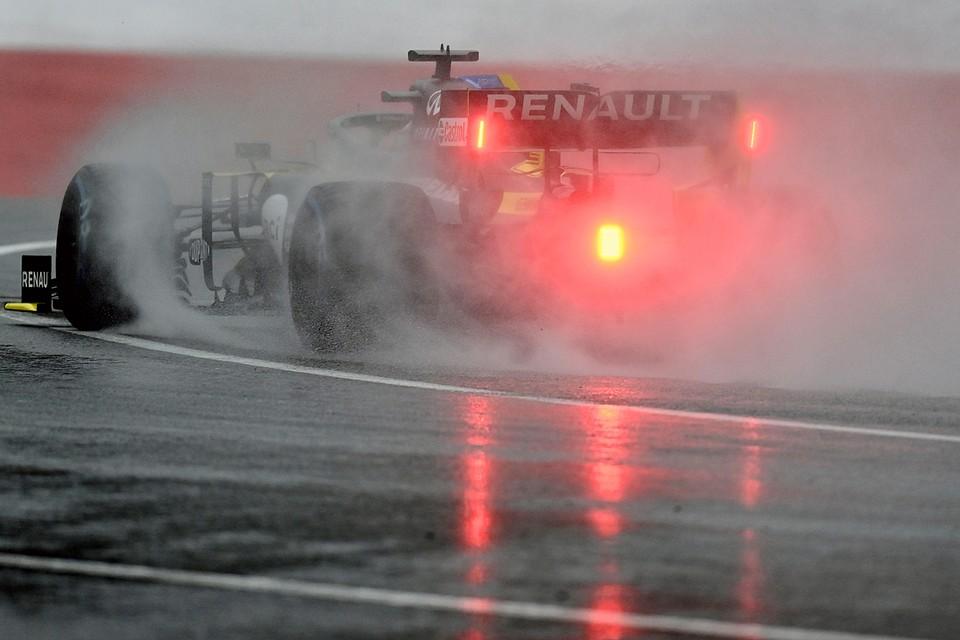 Пилот «Рено» Даниэль Риккардо попал в аварию во второй практике перед Гран-при Штирии и разбил болид