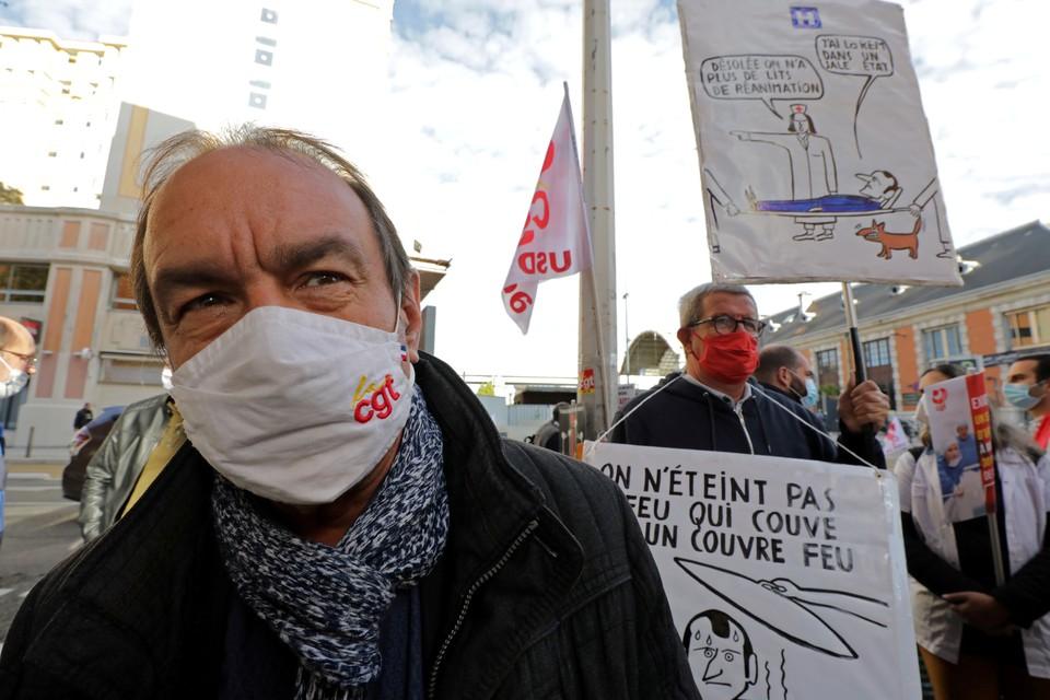 Во Франции медики устроили общенациональную акцию протеста, добиваясь от властей увеличения числа медперсонала на фоне пандемии.