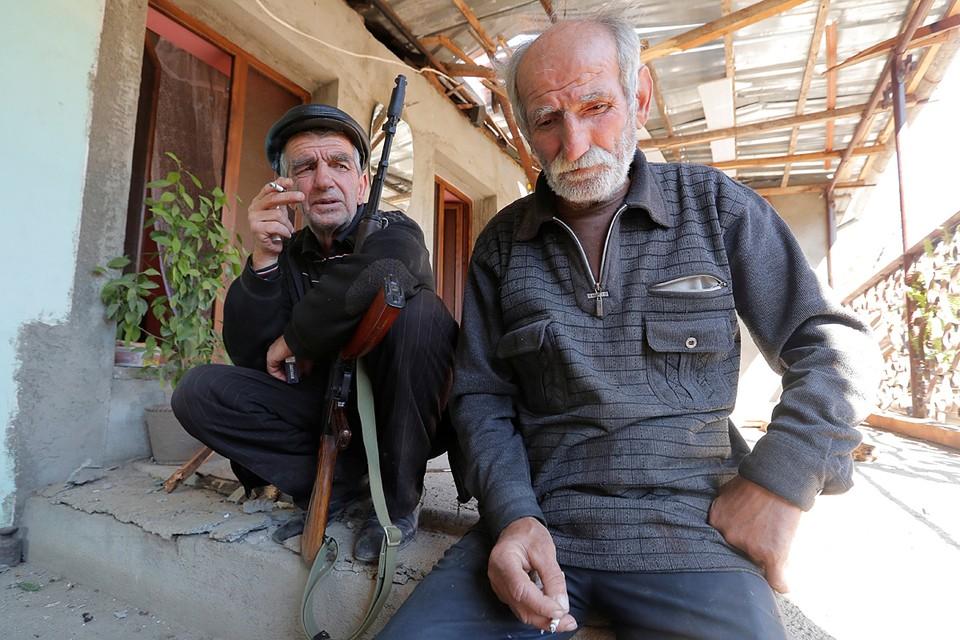 Ереван и Баку договорились о гуманитарном перемирии в зоне нагорнокарабахского конфликта