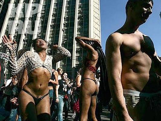 Снять гея в бразилии фото 20-649