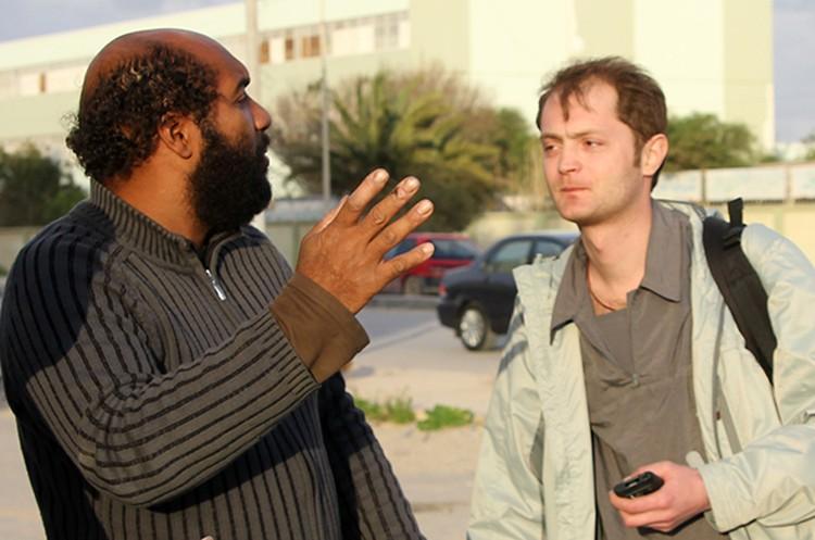 В Ливии, которая, как известно, была большим другом СССР и России, нужно возить с собой надувной глобус и показывать людям свою страну