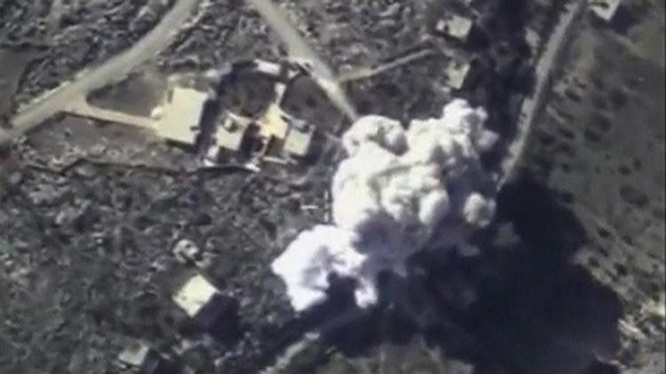 Первым делом у ИГ исчезли источники доходов. Российская авиация не просто бомбила нефтяные караваны, но фактически стала контролировать сирийско-турецкую границу до «нулевого метра»