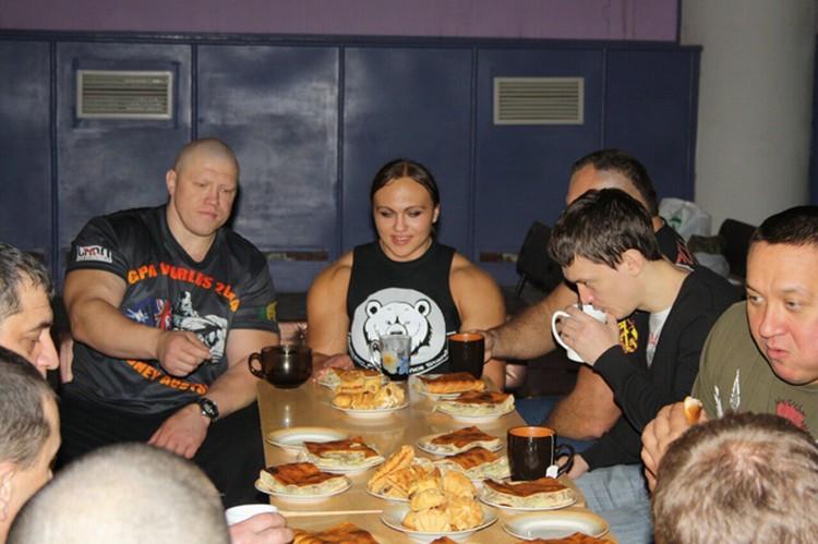 А в конце встречи было чаепитие с пирогами. Фото: из архива Михаила Кокляева