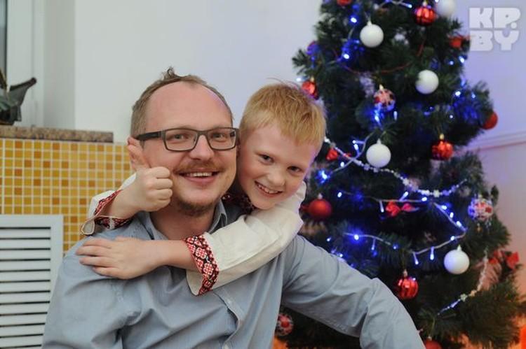 Драматург и сценарист Андрей Курейчик с сыном.