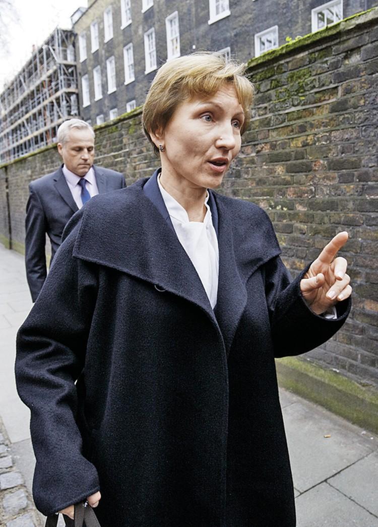 Вдова Александра Литвиненко Марина очень хотела получать за него пенсию как за кадрового сотрудника британских спецслужб. Но Лондон ей в этом отказал.