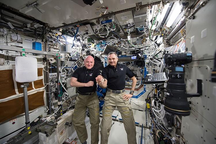 Они отработали на Международной станции почти год - 341 день