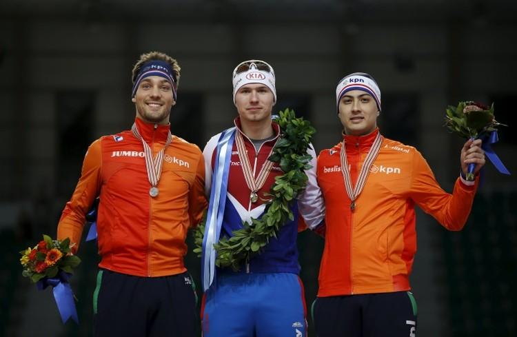 Павел Кулижников (в центре) в конце февраля победил на чемпионате мира в Корее.