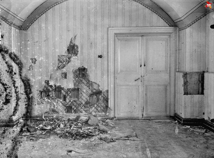 Комната в доме Ипатьева, где была убита царская семья вместе со своими слугами. Фото: из фондов музея Монастыря в честь Святых Царственных Страстотерпцев в урочище Ганина Яма