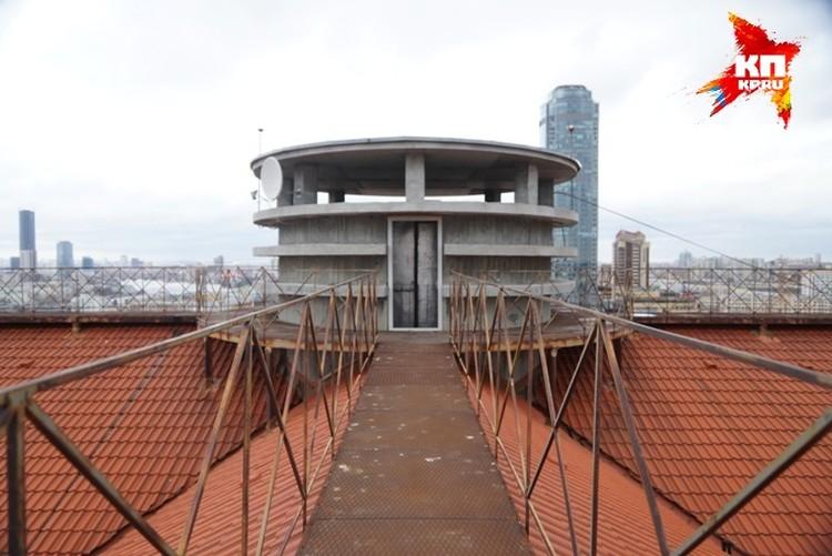 Лошагин вместе с Юлей ушли с крыши лофта и после этого модель никто не видел