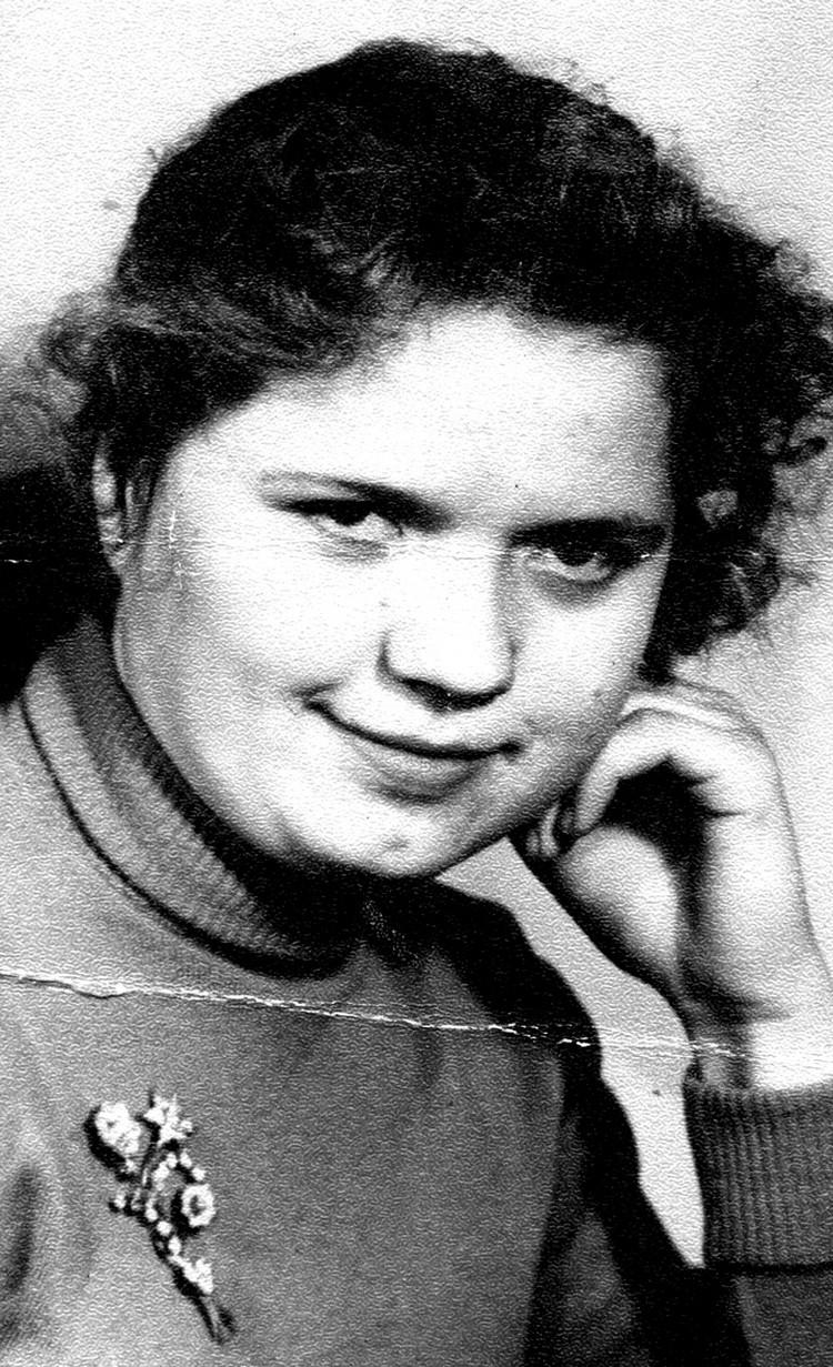 Людмила Золотова в юности. Фото: личный архив