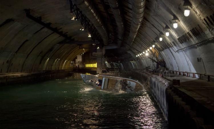 После погони по подземному каналу катер восстановлению не подлежал