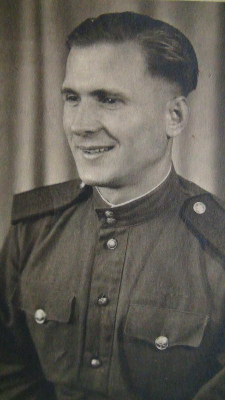 Михаил Долженко вскоре после Победы.