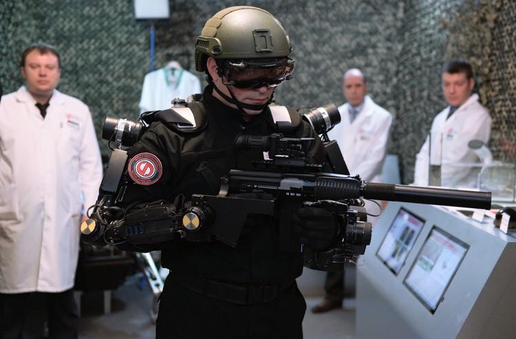 Спецназовец будущего в полной экипировке. Фото: РИАН