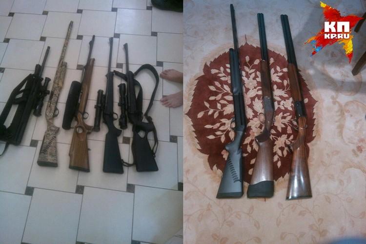 При обыске в доме топ-менеджера была обнаружена дорогая коллекция ружей. В среднем одно ружье стоит около полмиллиона рублей.