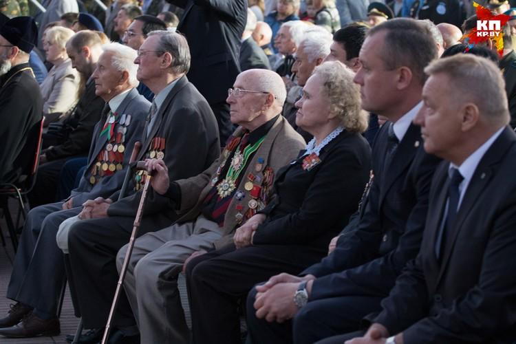 Ветеранов на митинге с каждым годом все меньше.