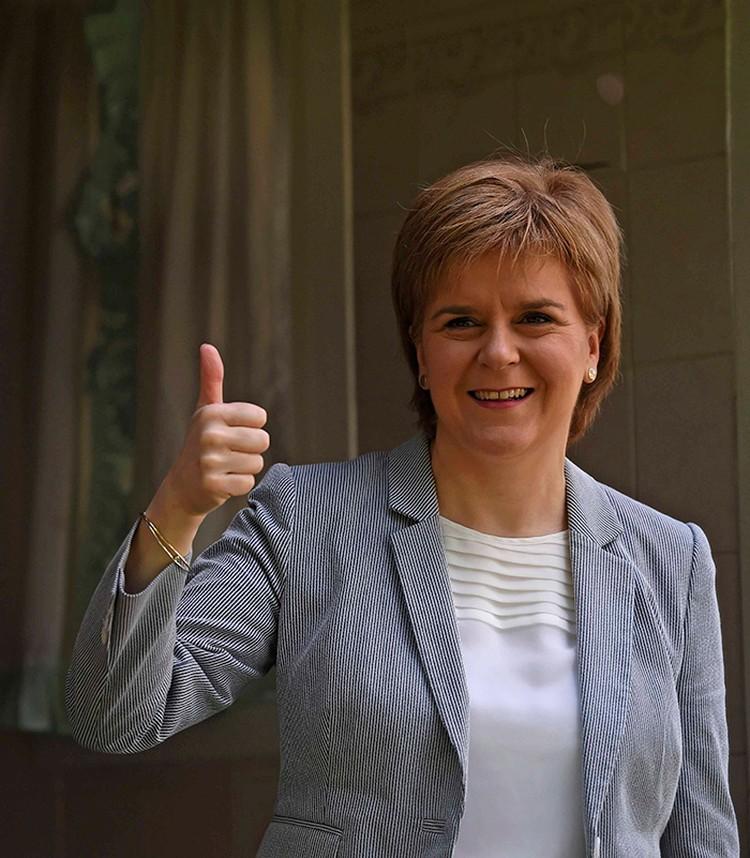 Никола Старджен, первый министр Шотландии. После брексита у нее есть повод веселиться