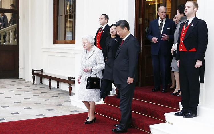 Сговор китайских Драконов с Виндзорами и Ротшильдами по совместной игре в текущем коне состоялся во время визита лидера КНР Си Цзиньпина в Лондон к Королеве